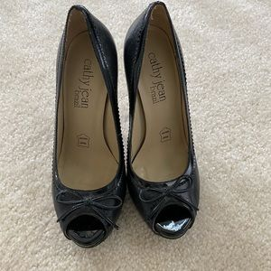 Cathy Jean Black Pumps in 6.5